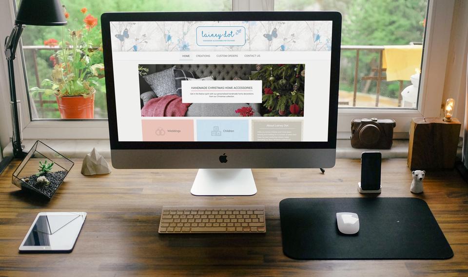 LaineyDot Homepage on Device